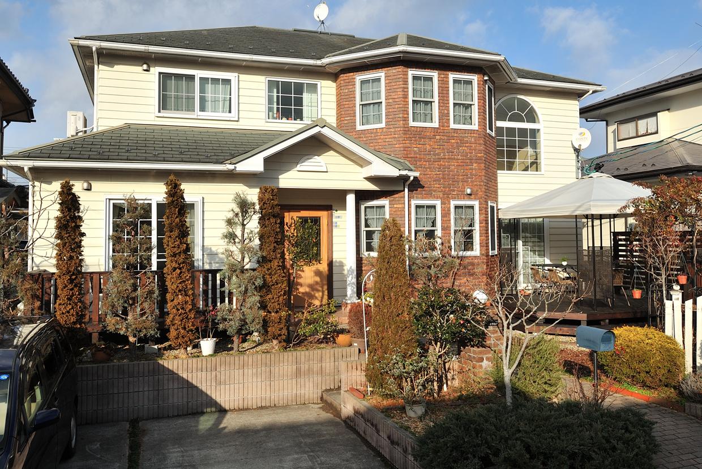 池田様宅は、おしゃれな北米スタイルの家。それに似合うウッドデッキのデザインが求められた。