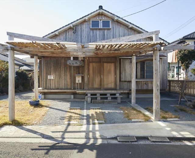 リノベーションで古き良き日本家屋の趣ある家に
