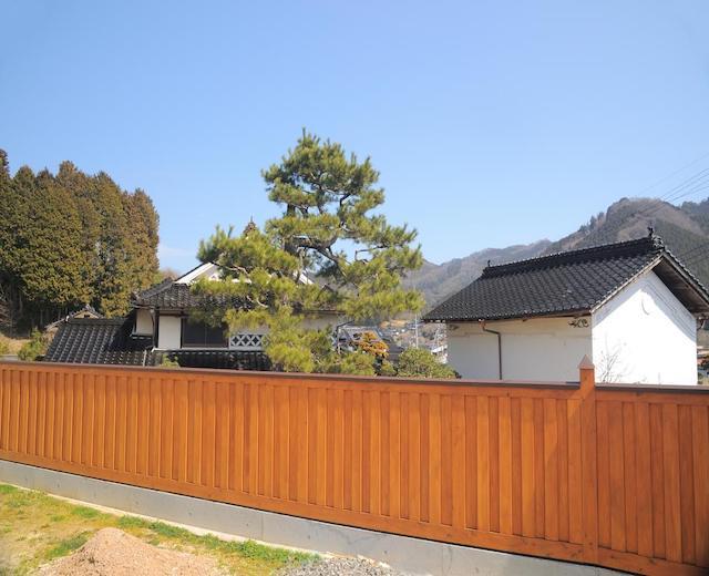 ヒノキの生産量日本一の美作(みまさか)。木の塀で地域の活性化に貢献
